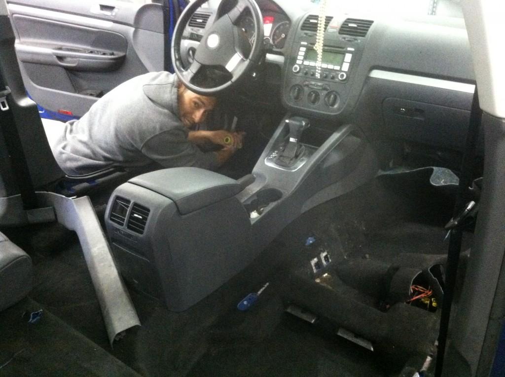 vw18-Juan installing insulation